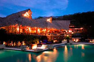 Hotel Revolution I Morgan´s Rock Hacienda & Ecolodge